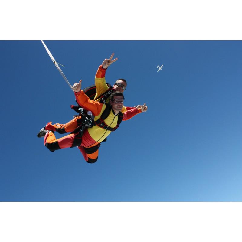 Saut en parachute tandem avec option vidéo-photos
